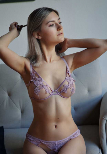 Eva-Elfie-purple